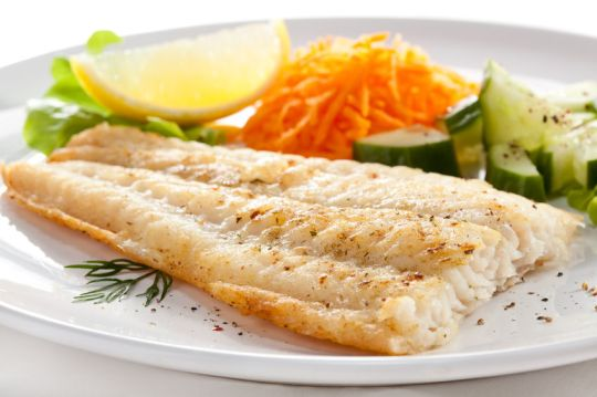 29848233 - pan fried fish fillet with vegetables